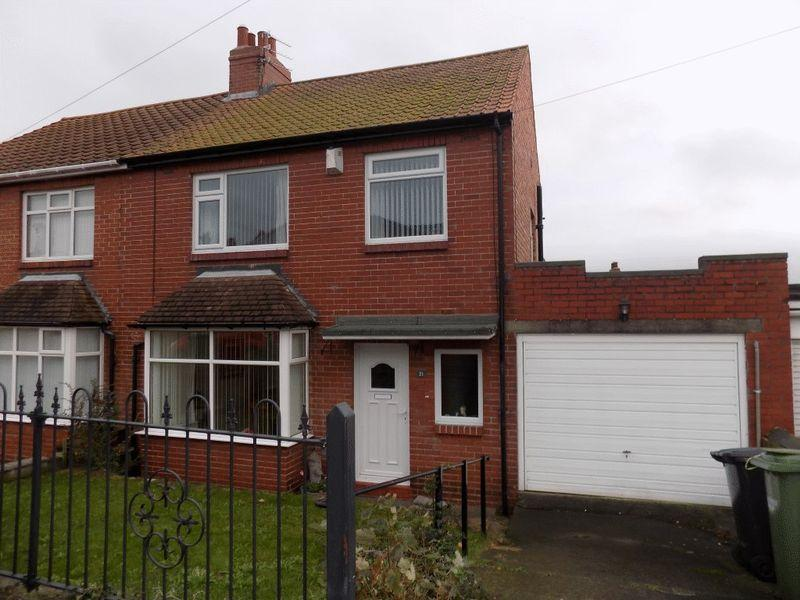 3 Bedrooms Semi Detached House for sale in Clovelly Gardens, Bedlington