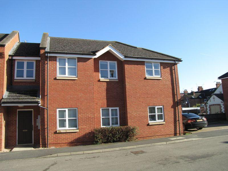 2 Bedrooms Flat for sale in Wooton Court, Milton Keynes
