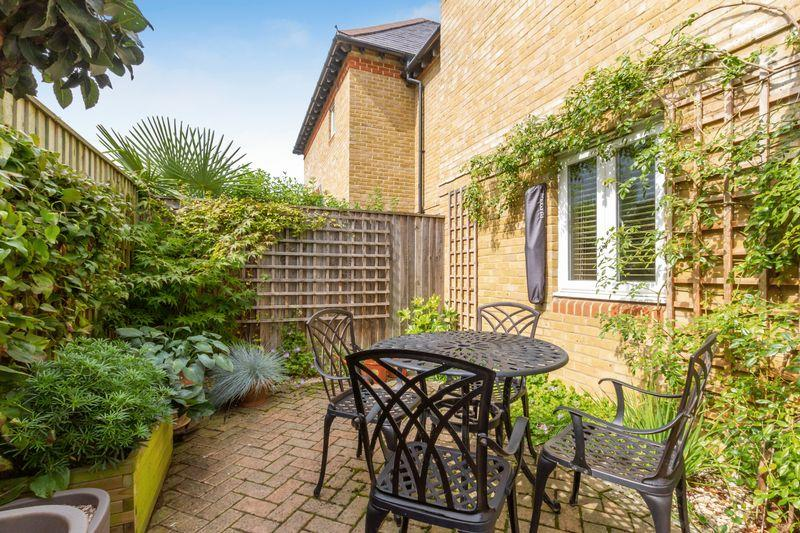 2 Bedrooms Apartment Flat for sale in The Meadows, Banbury Road, North Oxford