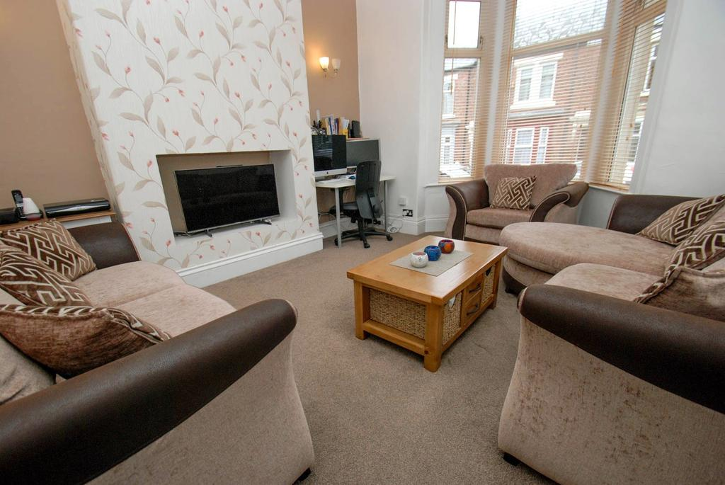 3 Bedrooms Terraced House for sale in Trajan Street, South Shields