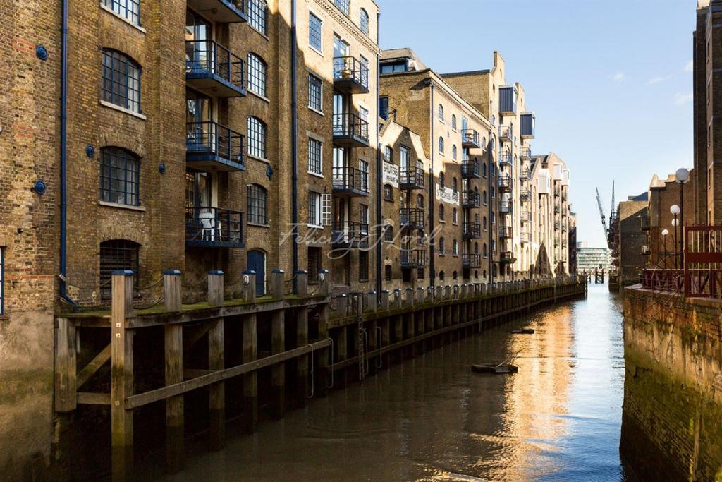 1 Bedroom Flat for sale in St Saviours Wharf, 8 Shad Thames, SE1