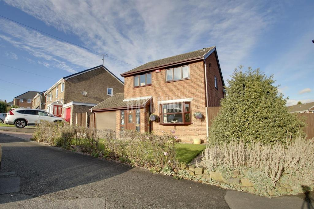 4 Bedrooms Detached House for sale in Sunningdale Drive, Cudworth