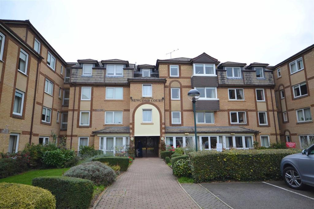 2 Bedrooms Apartment Flat for sale in Newcomb Court, Stamford