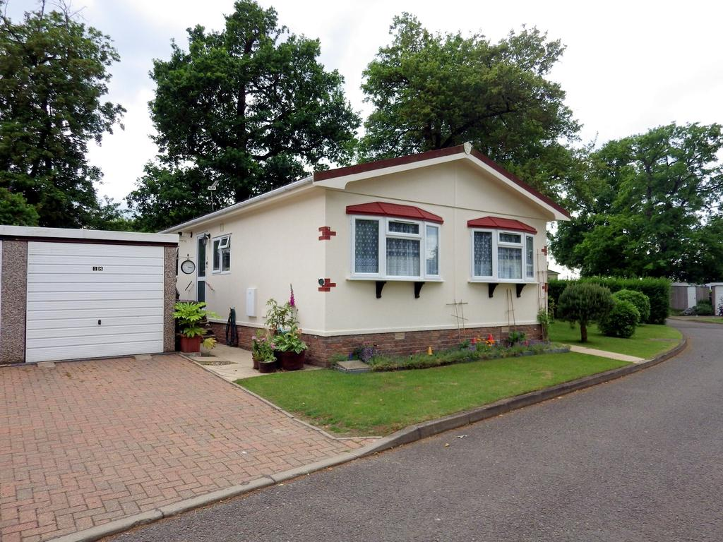 2 Bedrooms Park Home Mobile Home for sale in Shepherds Grove, Stanton IP31