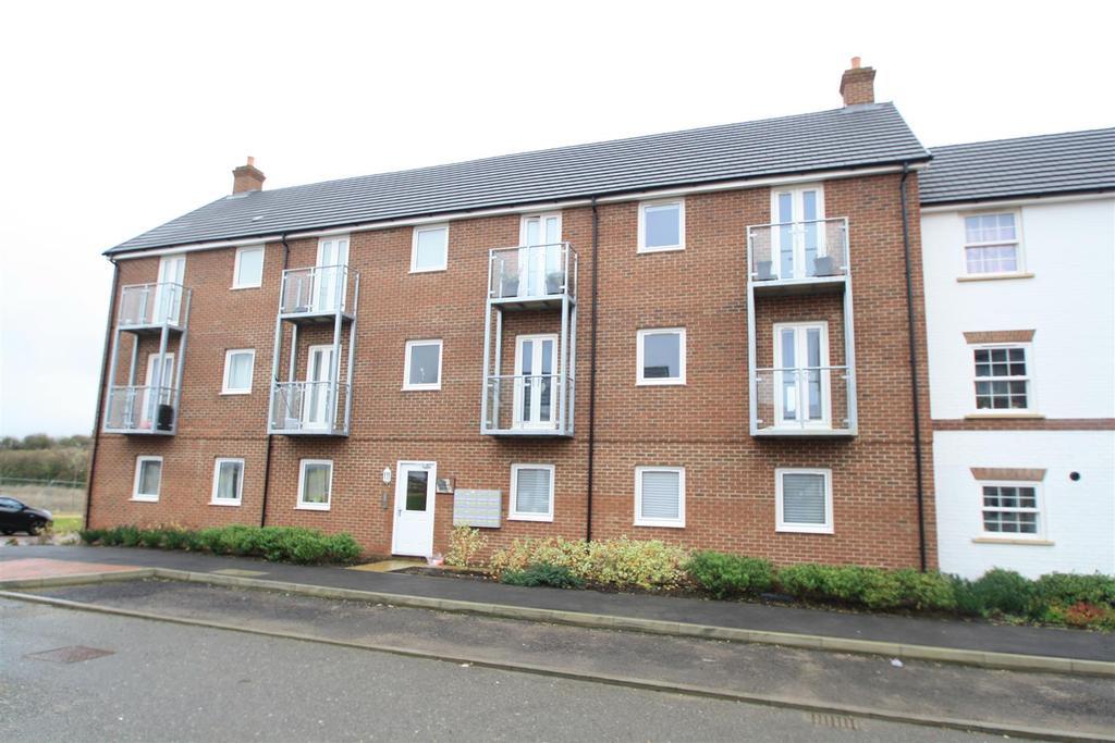 2 Bedrooms Apartment Flat for sale in Bonaire Grange, Bletchley, Milton Keynes