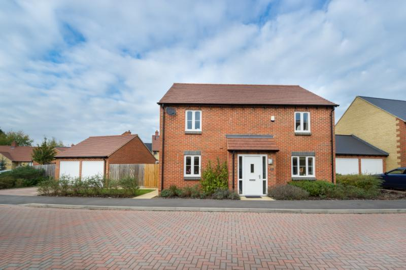 4 Bedrooms Detached House for sale in Wellington Way, Southmoor, Abingdon