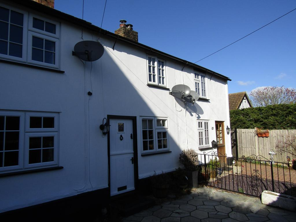 2 Bedrooms Cottage House for sale in High Street, Broom, Biggleswade, SG18 9NA