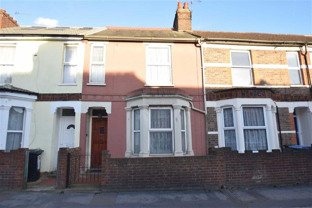 3 Bedrooms Terraced House for sale in Cassio Road, Watford, Herts
