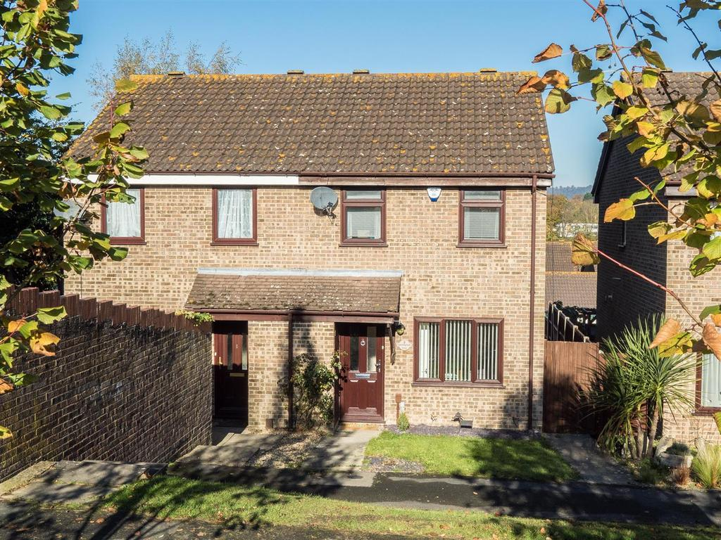 3 Bedrooms Semi Detached House for sale in Grampian Way, Downswood, Maidstone
