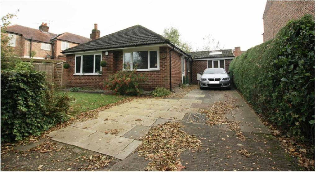 2 Bedrooms Detached Bungalow for sale in Woodfield Grove, Sale
