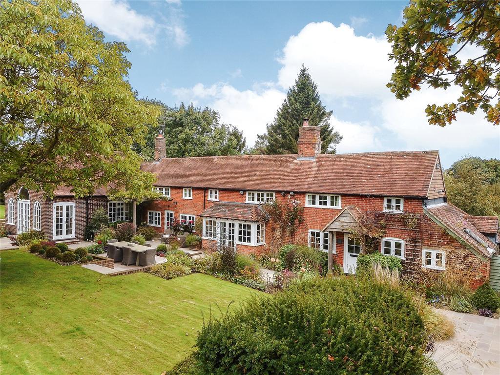 5 Bedrooms Detached House for sale in Tylers Lane, Bucklebury, Berkshire