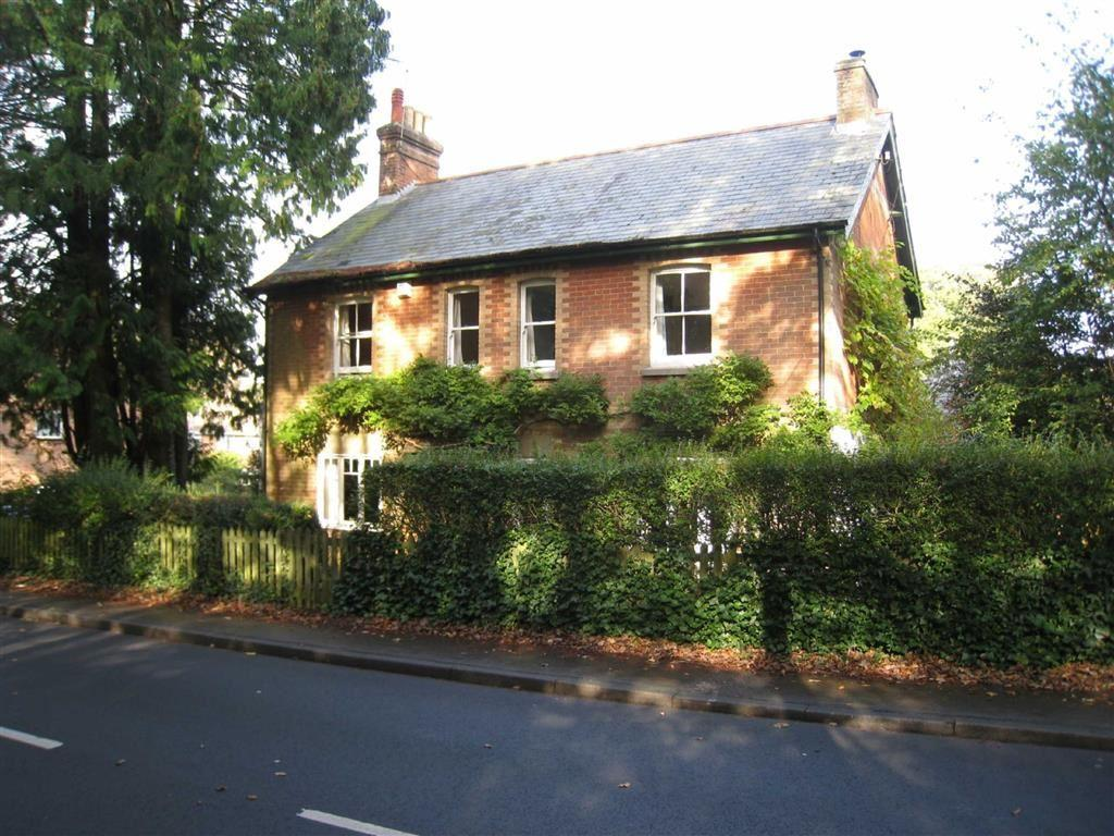 5 Bedrooms Detached House for sale in Smugglers Lane, Wimborne, Dorset
