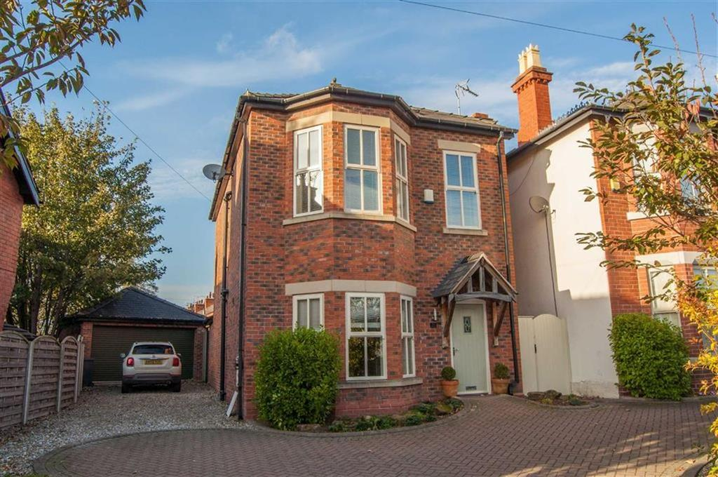 4 Bedrooms Detached House for sale in Chester Road, Gresford, Wrexham, Wrexham