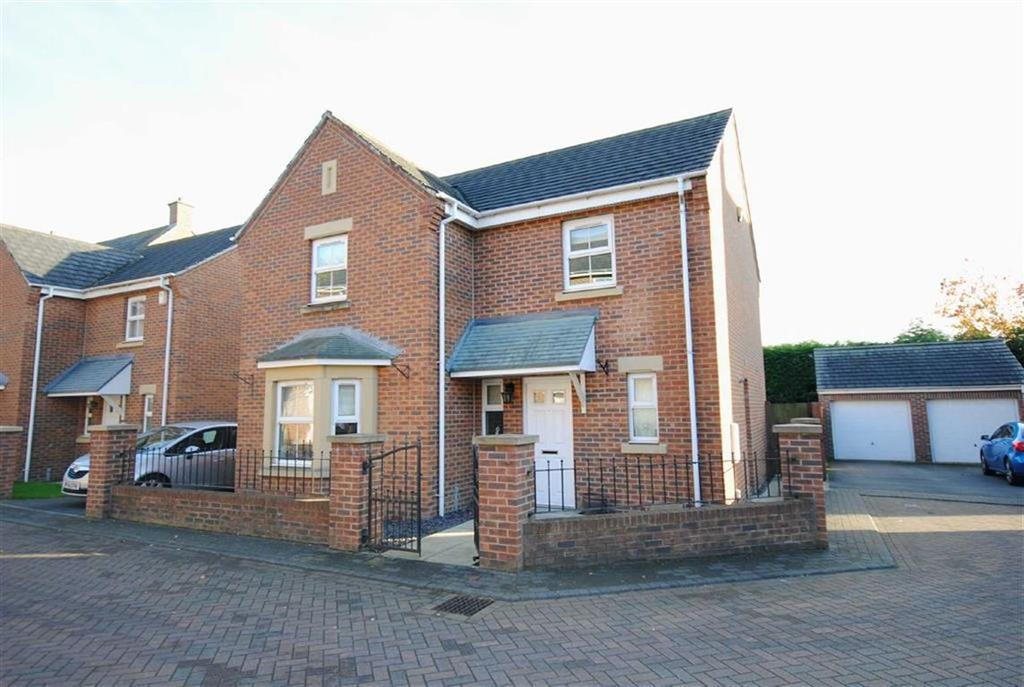 4 Bedrooms Detached House for sale in Nursery Close, Kippax, Leeds, LS25