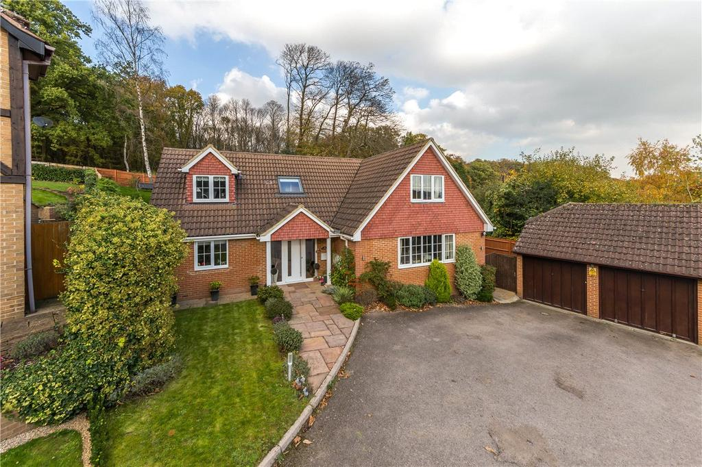 4 Bedrooms Detached House for sale in Pine Crest, Welwyn, Hertfordshire