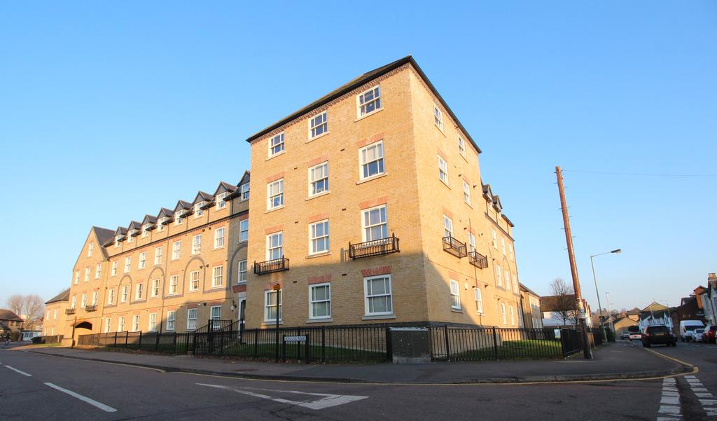 1 Bedroom Apartment Flat for sale in Bowsher Court , Ware SG12