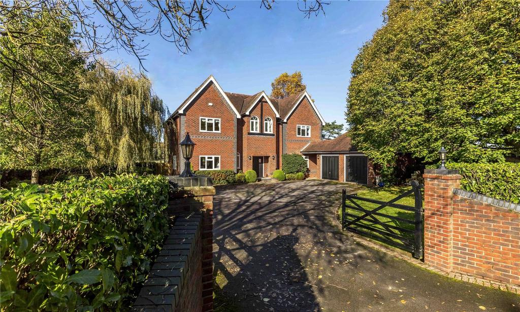 4 Bedrooms Detached House for sale in Links Lane, Rowland's Castle, Hampshire