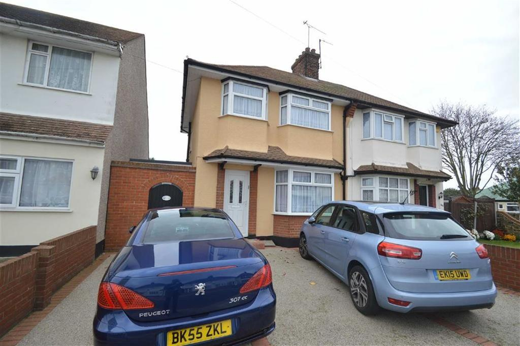 3 Bedrooms Semi Detached House for sale in Caulfield Road, Shoeburyness, Essex