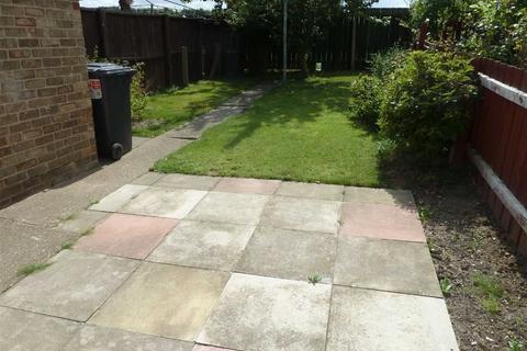 3 bedroom terraced house for sale - Julian Close, Hull, Hull, HU5
