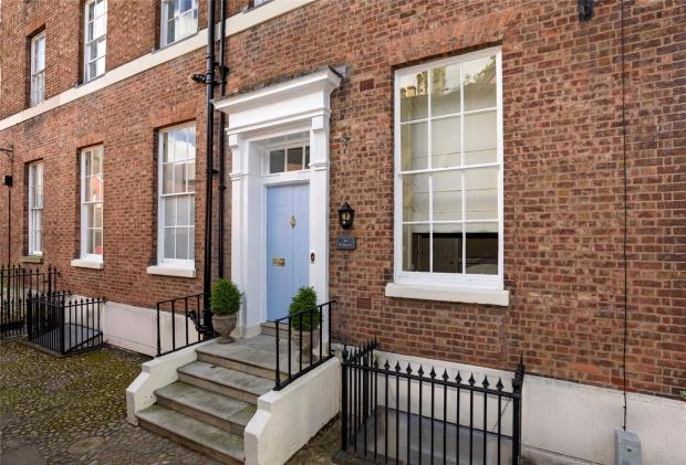 2 Bedrooms Flat for sale in St Mary's Court, St. Mary's Street, Shrewsbury