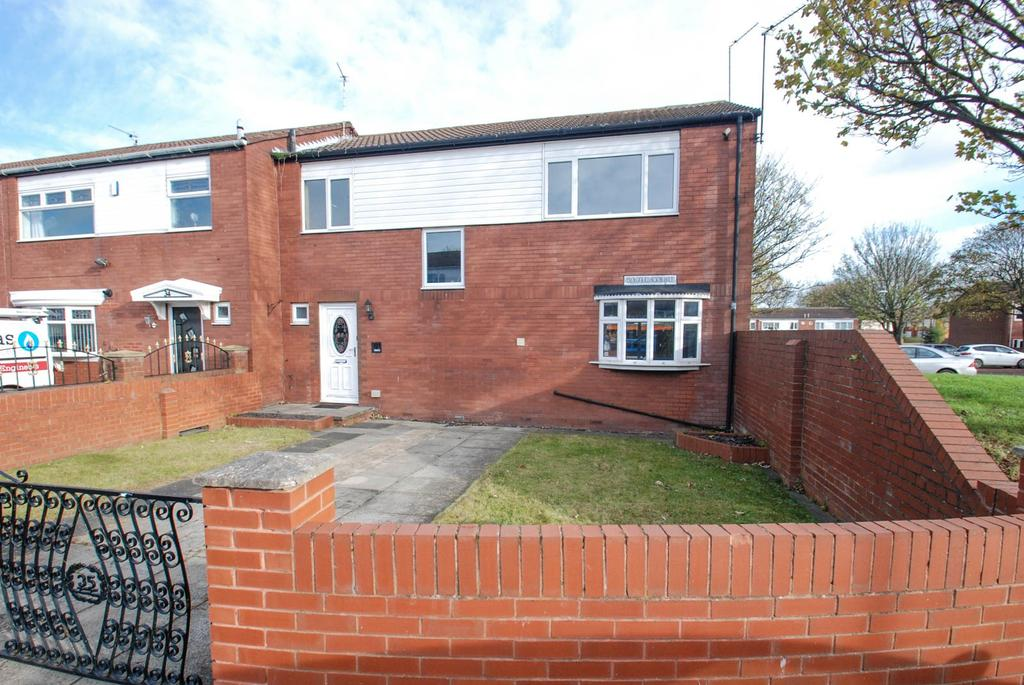 4 Bedrooms Terraced House for sale in Blyth Court, South Shields