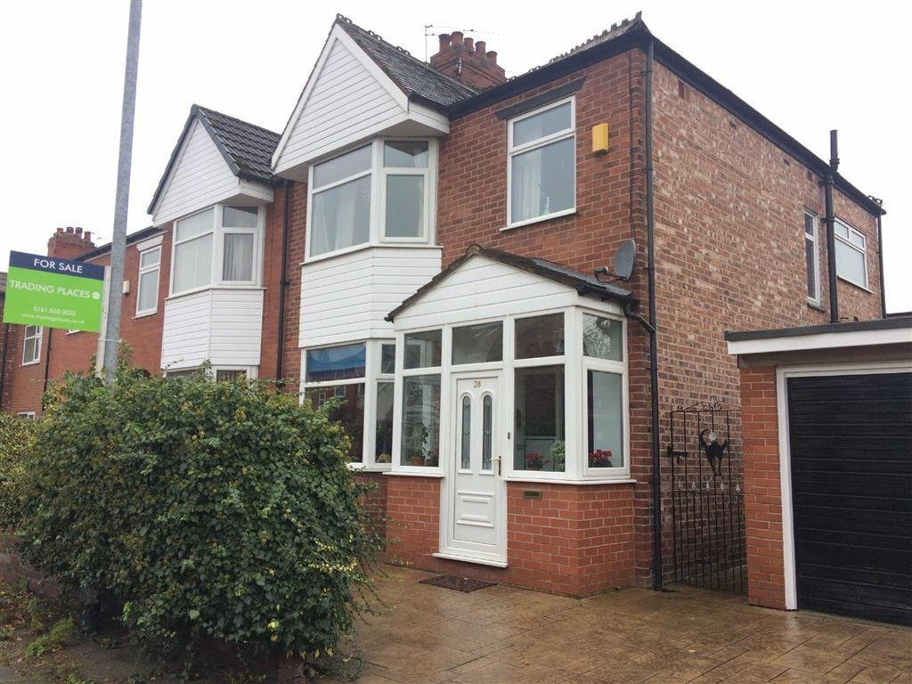 3 Bedrooms Semi Detached House for sale in Reeves Road, CHORLTON, Manchester
