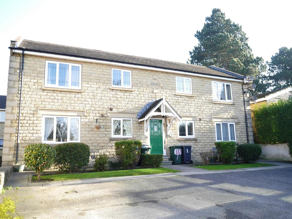 1 Bedroom Flat for sale in Nialls Court, Thackley, Bradford