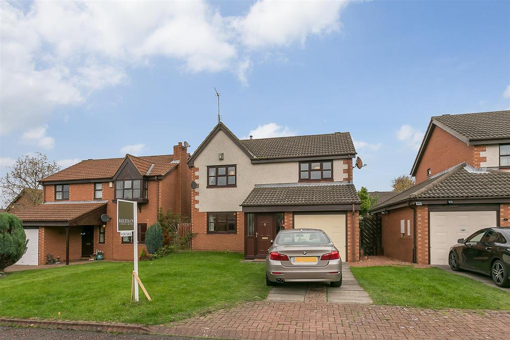 3 Bedrooms Detached House for sale in Clanfield Court, South Gosforth, Newcastle upon Tyne