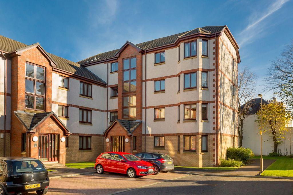 3 Bedrooms Flat for sale in 25/6 South Elixa Place, Edinburgh, EH8 7PG