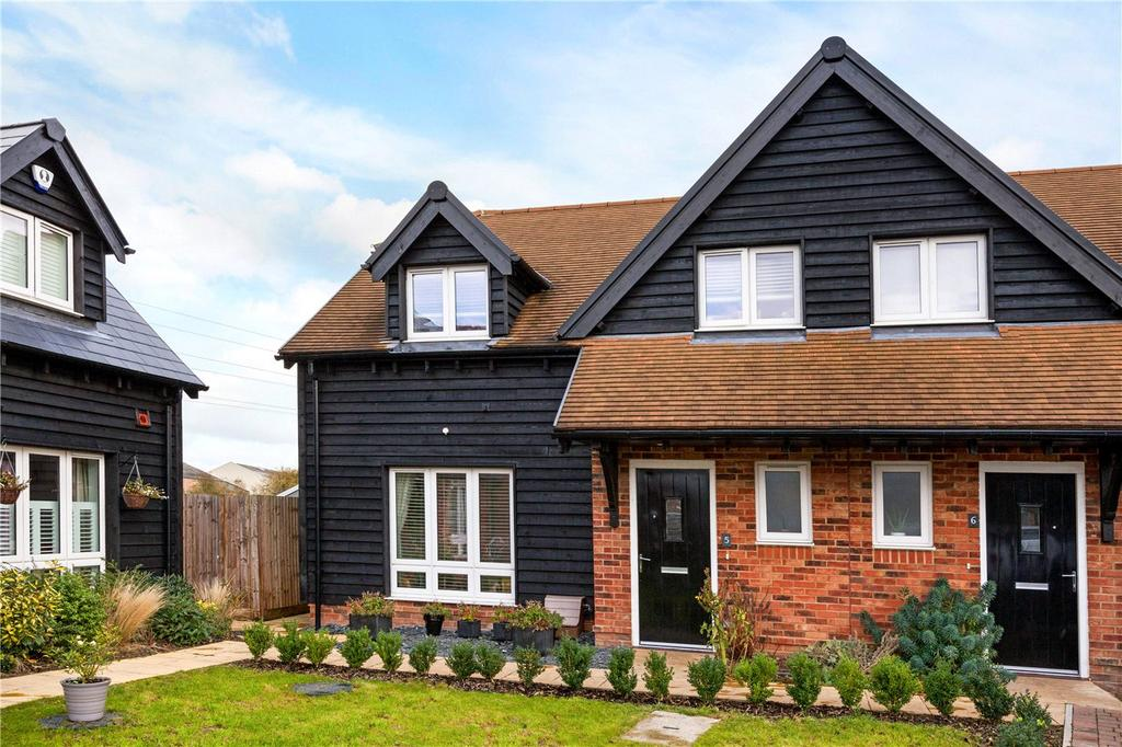 3 Bedrooms End Of Terrace House for sale in Rainsford Farm Mews, Thatcham, Berkshire, RG19