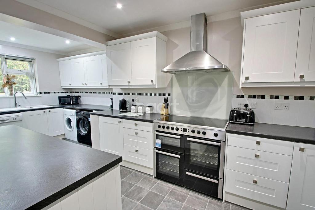 3 Bedrooms Bungalow for sale in Goldsmith Way, Stanton