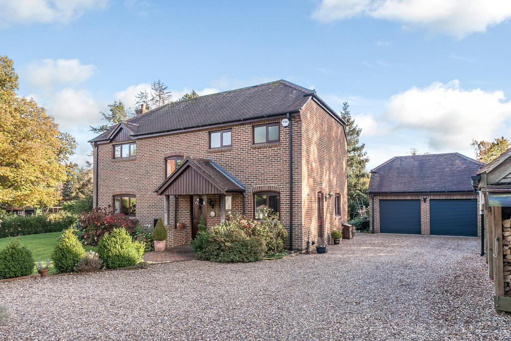 4 Bedrooms Detached House for sale in Green Trees, Peppard Common, Henley-on-Thames