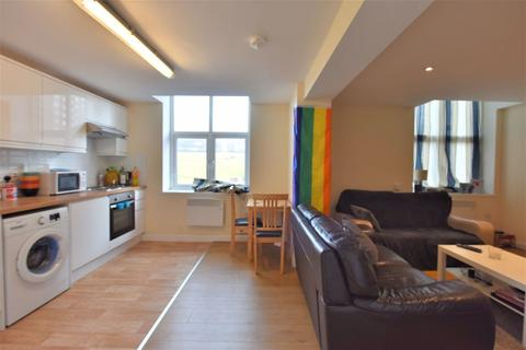 2 bedroom flat to rent - 212 Armley Road, Flat 1
