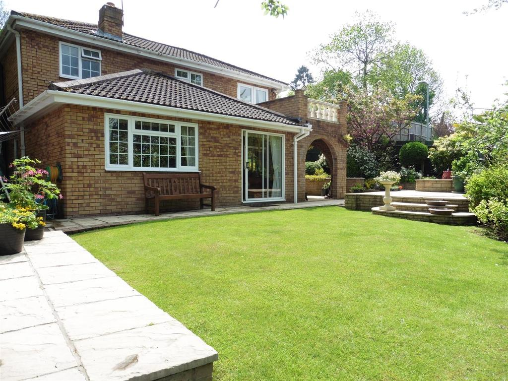 3 Bedrooms Detached House for sale in Westwood Row, Tilehurst, Reading
