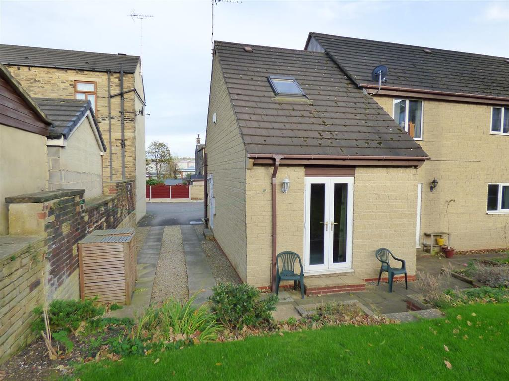 2 Bedrooms Town House for sale in Exchange Street, Cleckheaton