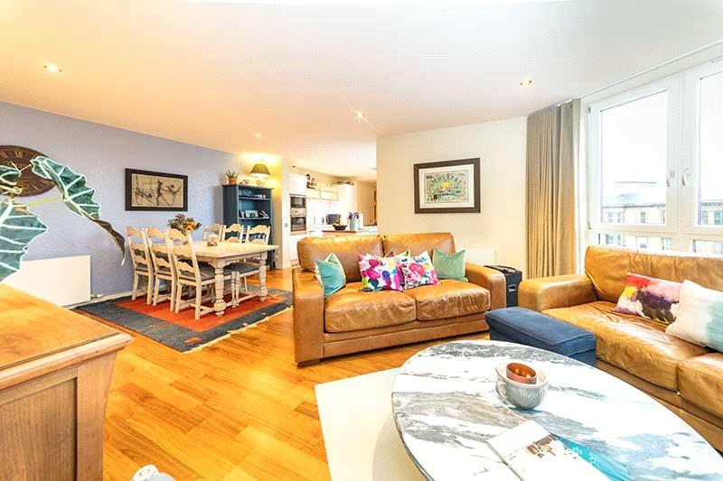 3 Bedrooms Flat for sale in Flat 2/7, 10 Park Circus Place, Glasgow, G3