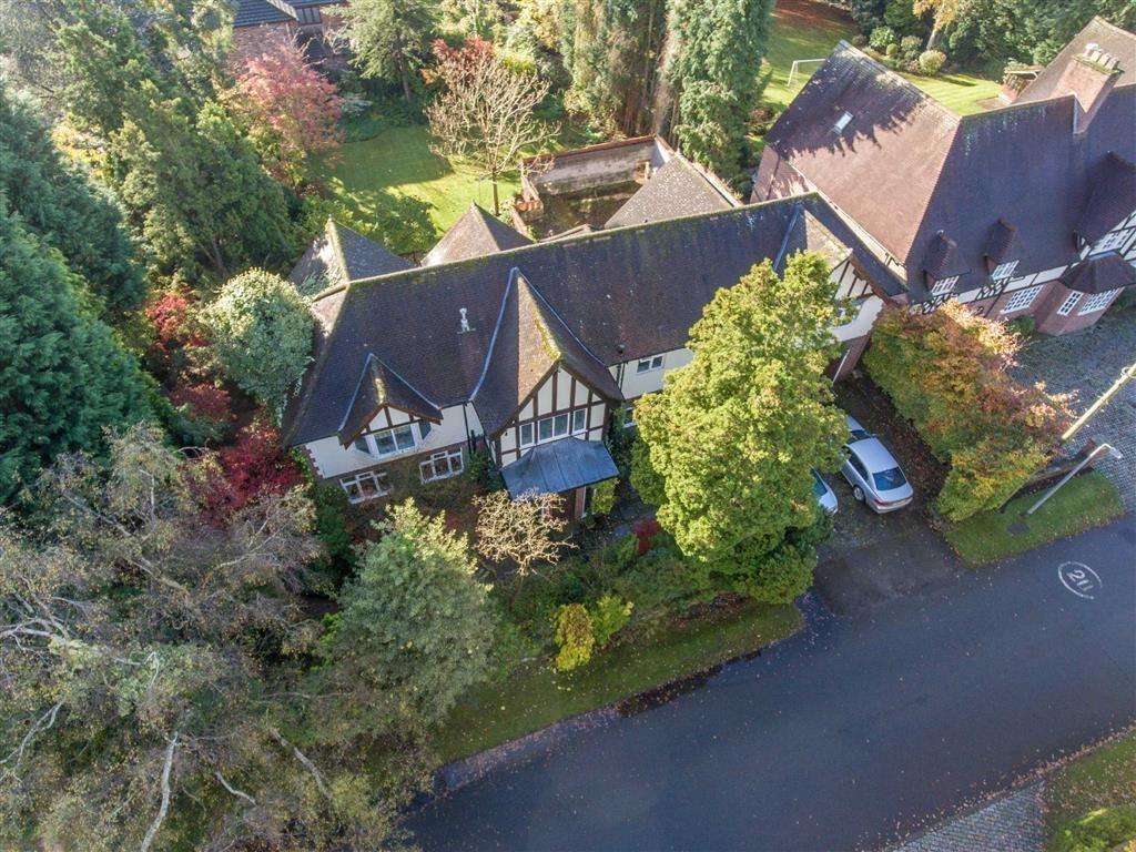 5 Bedrooms Detached House for sale in Fletsand Road, Wilmslow