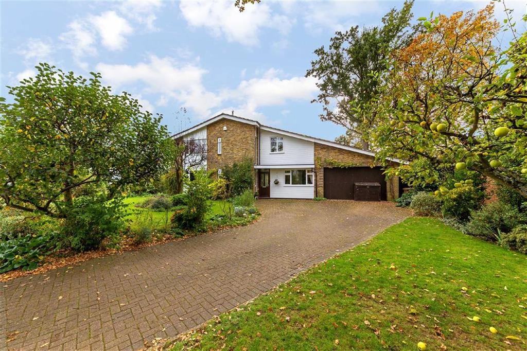 4 Bedrooms Detached House for sale in Thundridge, Nr Ware