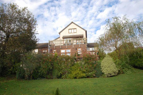 4 Bedrooms Detached House for sale in Exford