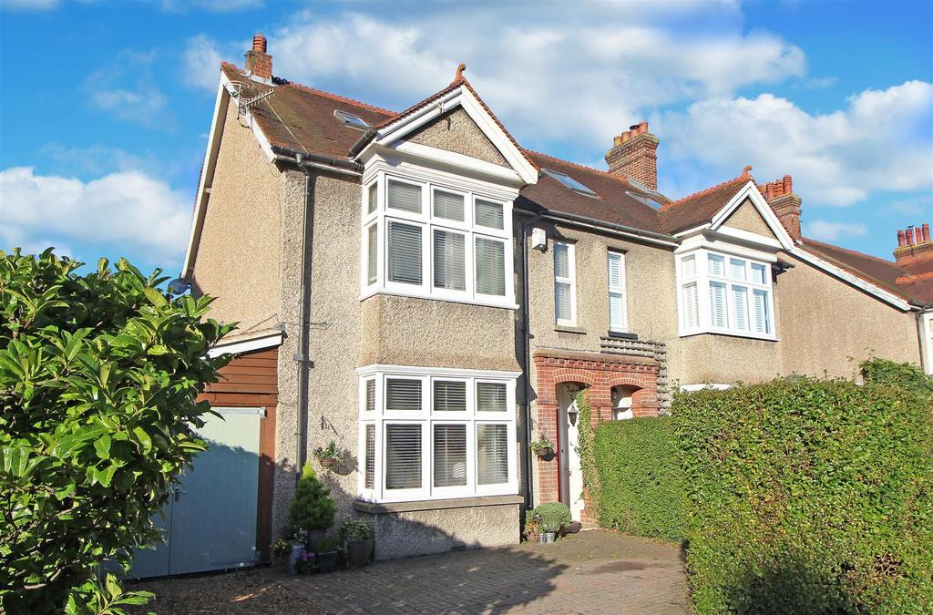 5 Bedrooms Semi Detached House for sale in Haywards Road, Haywards Heath