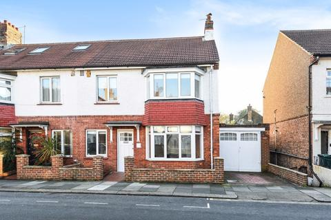 3 bedroom terraced house for sale - Colbourne Road Hove East Sussex BN3