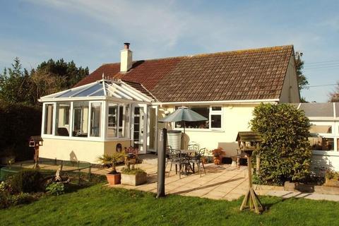 3 bedroom detached bungalow for sale - West Lane, Dolton
