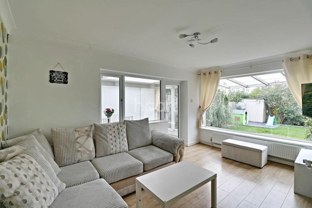 3 Bedrooms Detached House for sale in Vincent Road, LU4