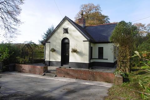 2 bedroom detached house for sale - Nantgaredig, Carmarthen, Carmarthenshire.