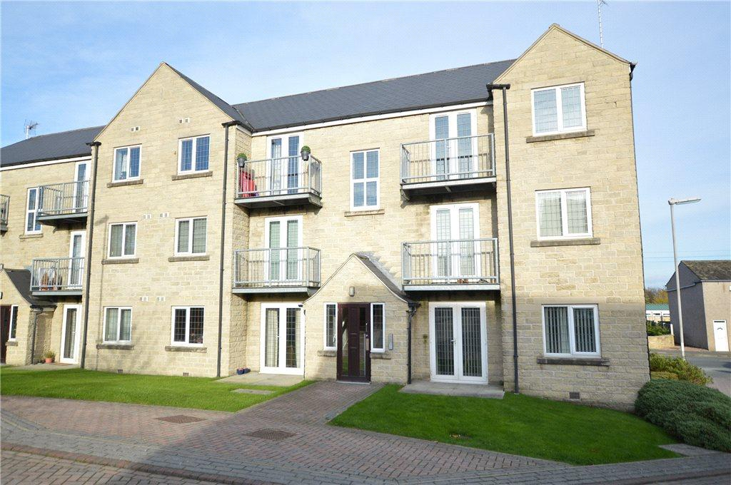 2 Bedrooms Apartment Flat for sale in Farriers Court, Drighlington, Bradford
