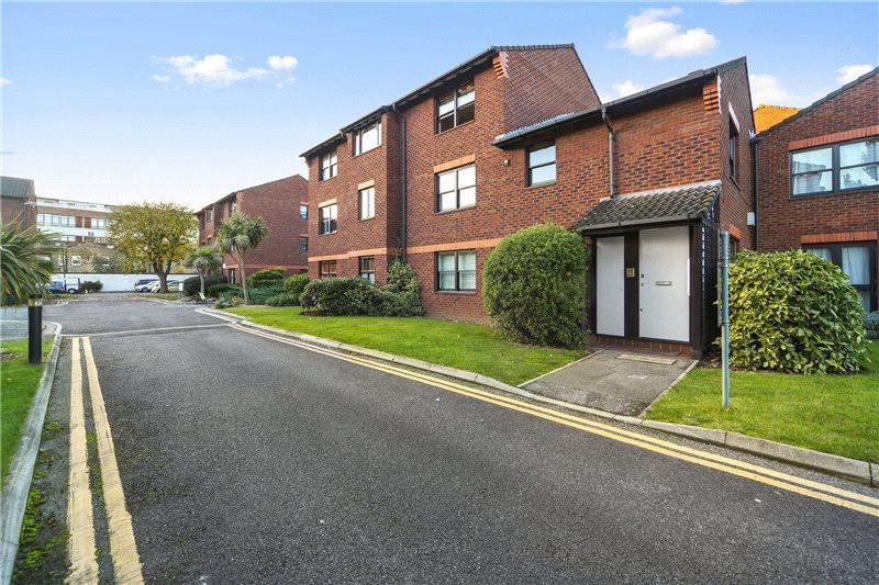 1 Bedroom Flat for sale in Mayfield Road, London, W12