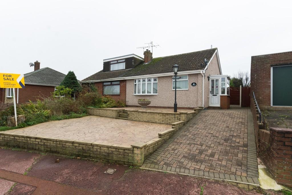 2 Bedrooms Semi Detached Bungalow for sale in Glenridding Drive, Barrow
