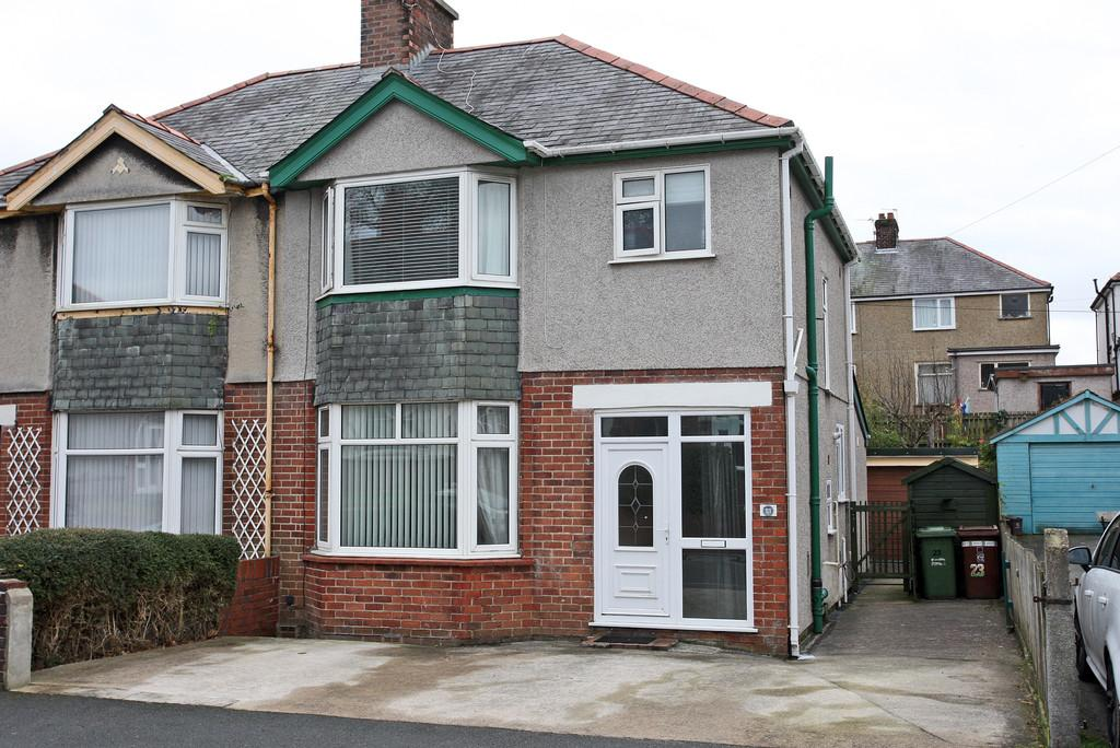 4 Bedrooms Semi Detached House for sale in Belmont Avenue, Bangor, North Wales