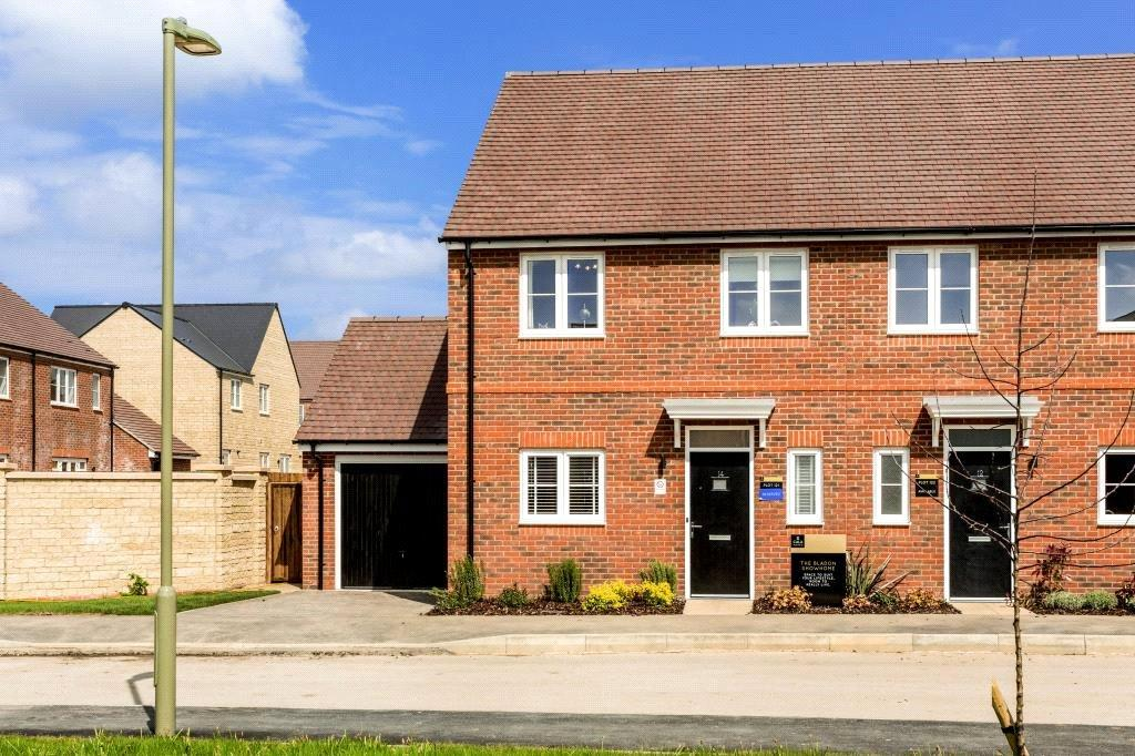 3 Bedrooms Semi Detached House for sale in Plot 131, Oakwood Gate, New Road, Bampton, Oxfordshire, OX18