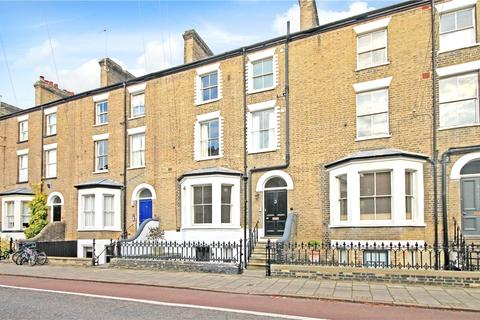 4 bedroom terraced house to rent - Bateman Street, Cambridge, CB2